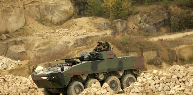 Rosomaki wygrywają wojnę w Afganistanie, ale przegrywają z biurokracją w Polsce.