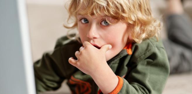 W pierwszym załączniku do rozporządzenia określony został nowy wzór wywiadu, który jest przeprowadzany z osobami chcącymi adoptować dziecko.