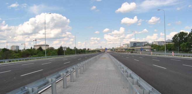 Projekty dotyczące transportu miejskiego będą wybierane przez PARP w trybie konkursowym i poza konkursowym, a te dotyczące dróg – tylko w konkursach.