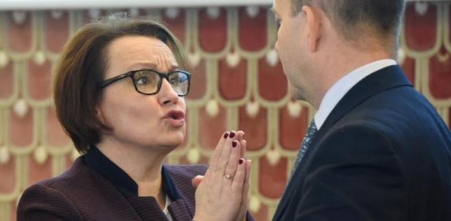 Konstanty Radziwiłł i Anna Zalewska przed posiedzeniem rządu.
