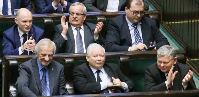 Posłowie Prawa i Sprawiedliwości i Jarosław Kaczyński,
