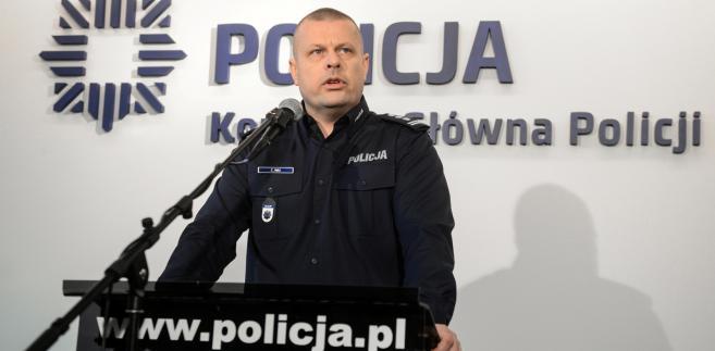 PiS odpowiada na zarzuty PO: Dymisja Zbigniewa Maja nie rzutuje na pracę Policji