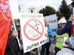 Ok. 2 tys. osób demonstrowało w Warszawie przeciw tzw. ustawie antywiatrakowej