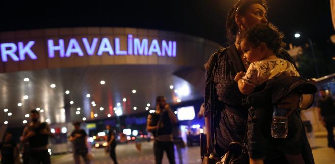 Według ostatnich danych w zamachu na lotnisku im. Kemala Atatürka w Stambule zginęło 41 osób, a 239 zostało rannych
