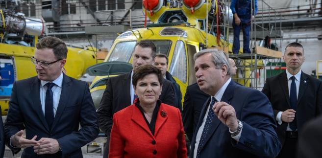 Krzysztof Krystowski, premier Beata Szydło i Mieczysław Majewski