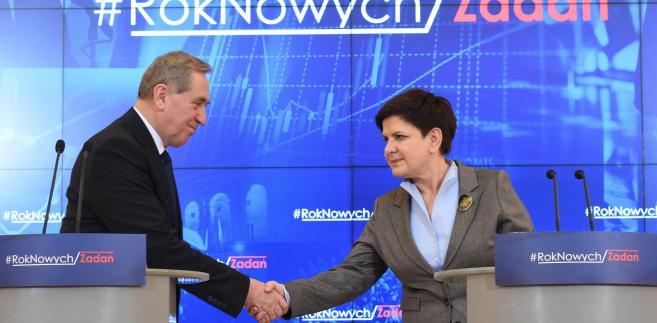 Premier Beata Szydło oraz minister, przewodniczący Stałego Komitetu Rady Ministrów Henryk Kowalczyk