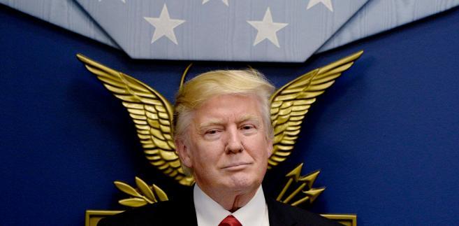 """""""Republikanie myśleli, że kampania Trumpa się wykolei. Albo że do Białego Domu trafi człowiek, którym będą mogli sterować. Niestety się mylili"""""""