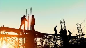 Przepisy wprowadzające obciążenie dla usług budowlano-montażowych wprowadziły niemały zamęt wśród firm z branży.