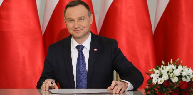 Prezydent Andrzej Duda podpisuje nowelizację prawa karnego,