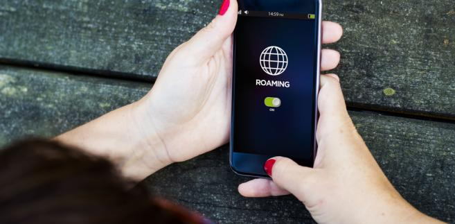 Play, Plus i T-Mobile wprowadziły do swoich ofert roczne limity rozmów