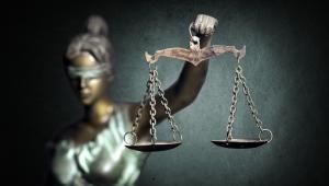 To ustawa będąca swoistą konstytucją dla sądów rejonowych, okręgowych i apelacyjnych