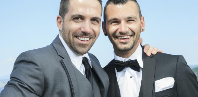 Czechy: Rząd poparł projekt małżeństw osób tej samej płci