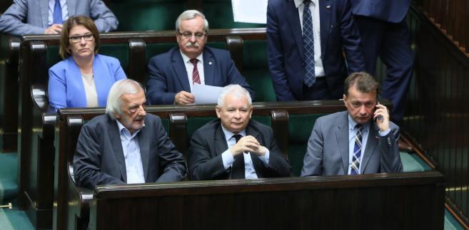 Przeciw odrzuceniu noweli głosowało 226 posłów, za było 153, trzech się wstrzymało.