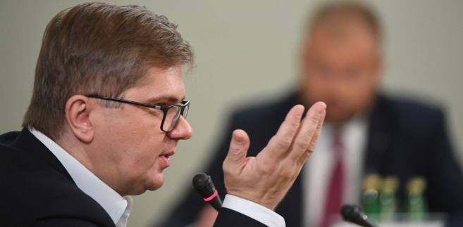 Podkreślił, że o jego pracy świadczą teksty dziennikarskie, które napisał z Majewskim