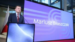 Wiceprezes PiS, szef MSWiA Mariusz Błaszczak odczytuje list prezesa Prawa i Sprawiedliwości Jarosława Kaczyńskiego do uczestników kongresu.