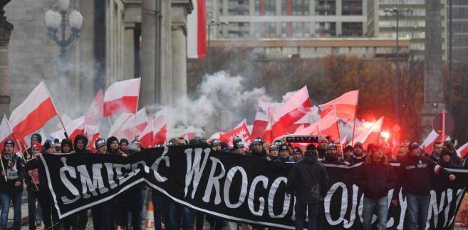 """""""My chcemy Boga"""". Zobacz zdjęcia z Marszu Niepodległości"""