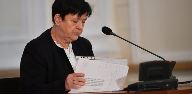 Przesłuchiwana Anna Błażewicz, była lokatorka kamienicy przy Noakowskiego 16