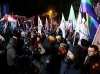 """Protest przed Sejmem. Ostre słowa pod adresem opozycji. """"To tchórze"""""""