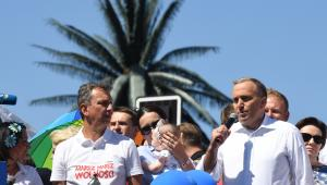 Poseł PO Andrzej Halicki i lider PO Grzegorz Schetyna podczas Marszu Wolności.