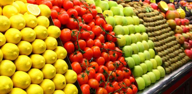 Rekompensaty obejmują wycofanie z rynku tych owoców i warzyw, których rolnicy nie mogą sprzedać