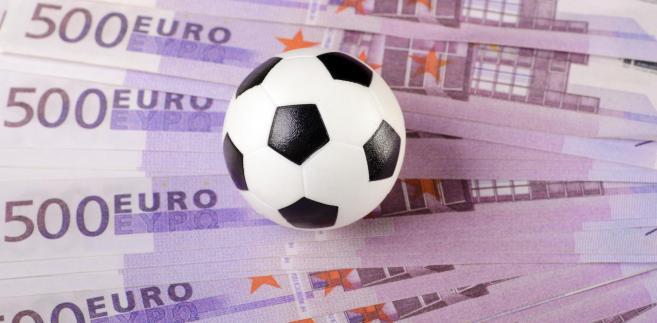 Czy futbol reprezentacyjny jest lepszy, mniej skomercjalizowany?