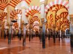 6. miejsce: Wielki Meczet w Kordobie, zwany po hiszpańsku La Mezquita, pochodzący z VIII w., wielokrotnie przebudowywany, służy obecnie za katedrę rzymskokatolicką diecezji Córdoba w Hiszpanii.