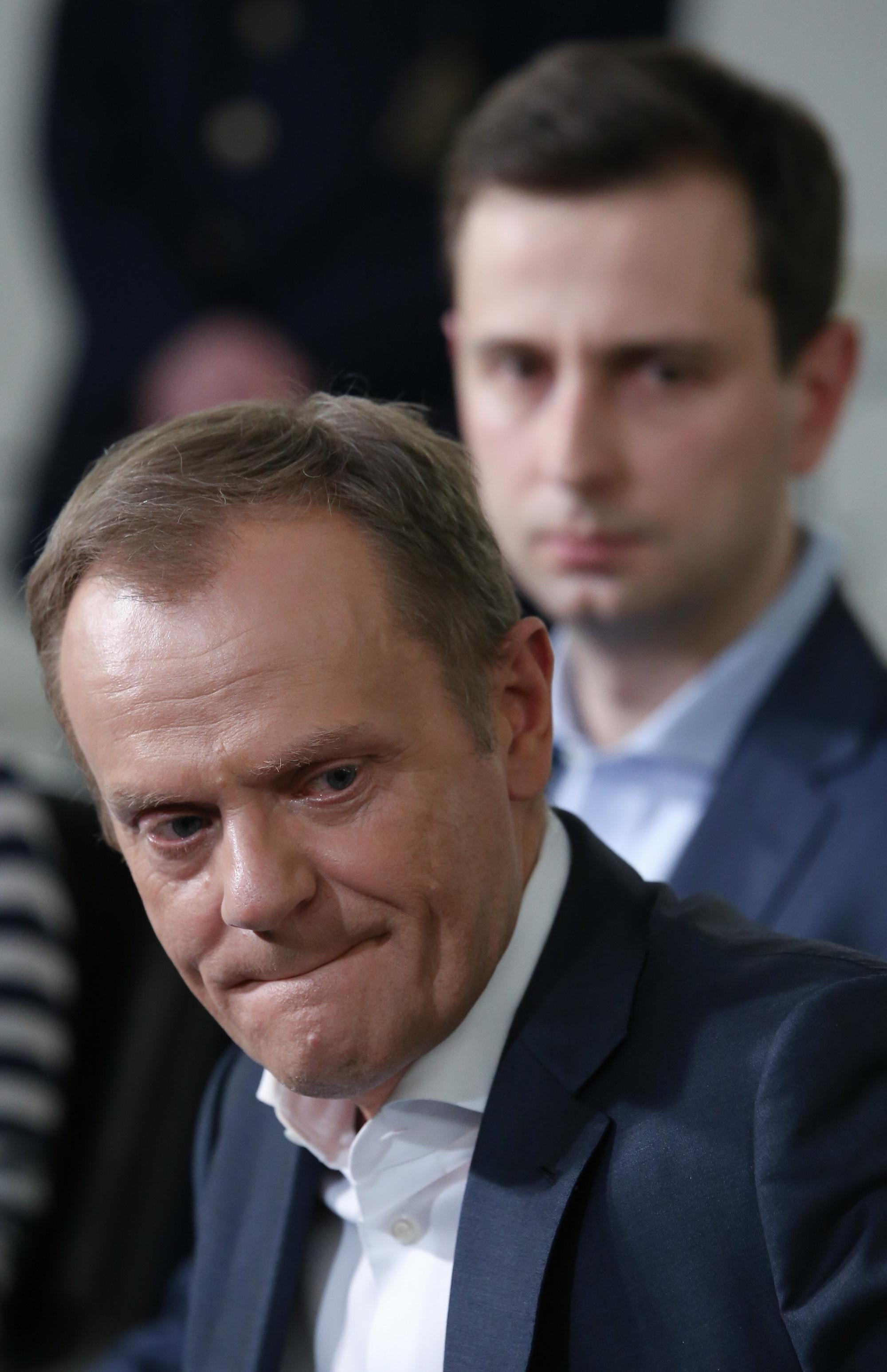Donald Tusk podczas spotkania z rodzicami dzieci niepełnosprawnych, którzy okupują Sejm