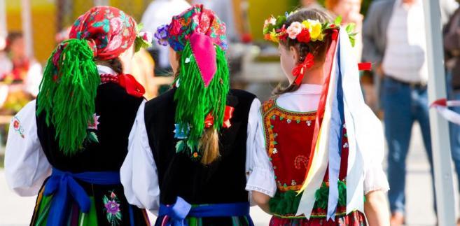 Polska, kobiety, strój ludowy