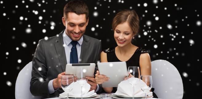 ślub, kolacja, tablet