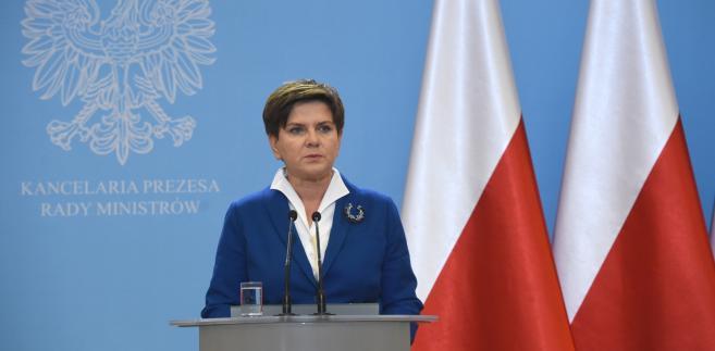 Premier Beata Szydło po pierwszym formalnym posiedzeniu rządu.