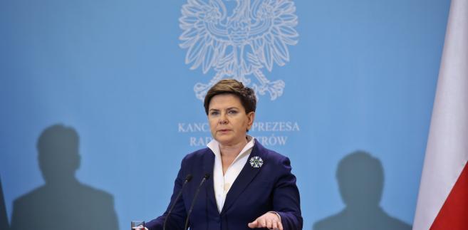 Premier Beata Szydło podczas konferencji prasowej z ministrem sprawiedliwości prokuratorem generalnym Zbigniewem Ziobrą