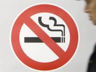 Od poniedziałku wchodzi <strong>zakaz</strong> <strong>palenia</strong> w miejscach publicznych w Polsce