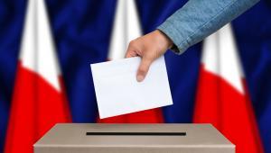 Dużo kontrowersji wywołała zmiana podmiotu zarządzającego druk kart do głosowania.