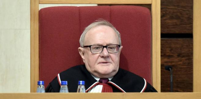 Formalnie Biernat nadal pozostaje członkiem pełnych składów orzekających w 17 sprawach, choć nie spodziewa się, że zostanie dopuszczony do ich rozpoznania
