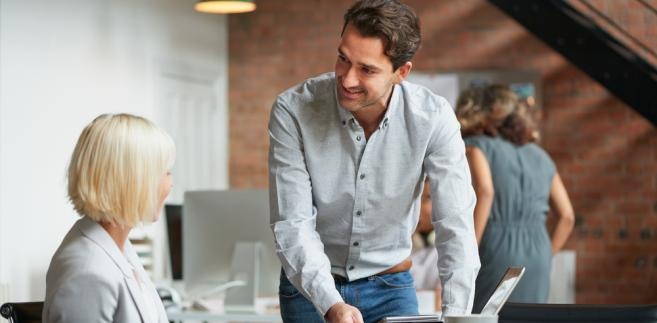 Szefowie nowoczesnych firm, które chcą być konkurencyjne, a jednocześnie przestać się borykać z rotacją pracowników, starają się wprowadzać do nich dobrą atmosferę