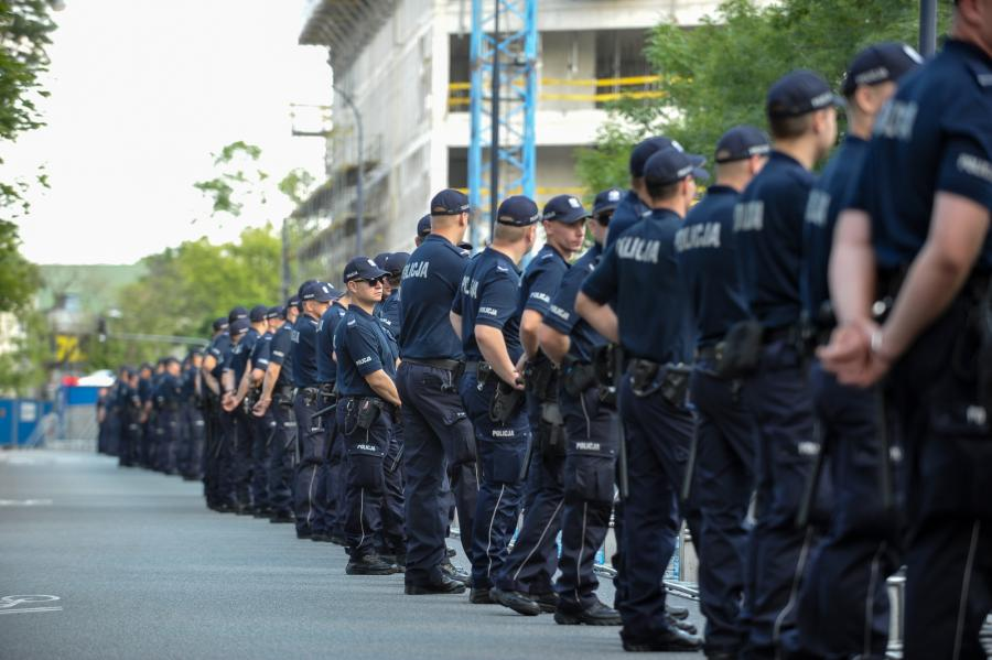 Policja przed Sejmem