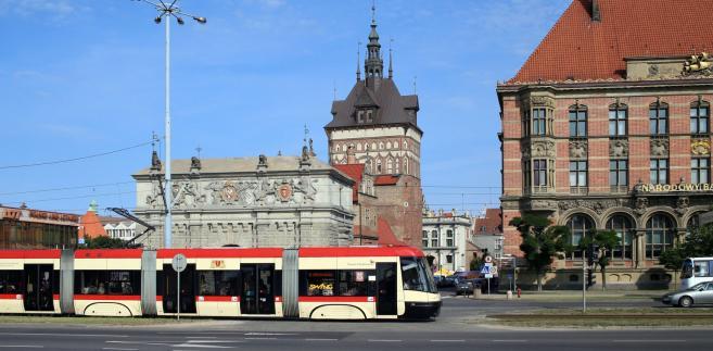 Wskazany przez Wałęsę kandydat na zastępcę prezydenta Gdańska ds. polityki społecznej Dominik Kwiatkowski (Nowoczesna) nadmienił, że Koalicja Obywatelska chce także wprowadzić zmiany w karcie miejskiej.