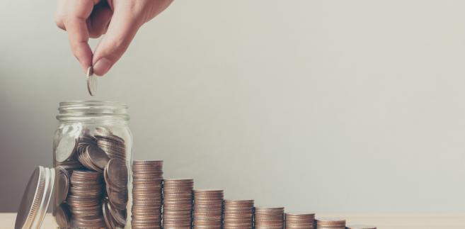 Podatnicy mogą uniknąć płacenia podatku od darowizny, jeśli na czas zgłoszą jej otrzymanie skarbówce.