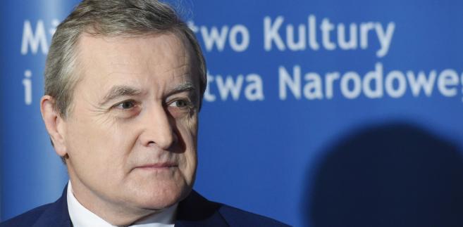 - Sprzątamy właśnie po PO: nie wprowadzali nawet dyrektyw europejskich - mówi minister