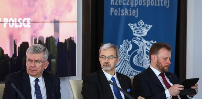 Marszałek Senatu Stanisław Karczewski, minister inwestycji i rozwoju Jerzy Kwieciński i minister zdrowia Łukasz Szumowski