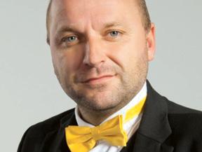Josef Šíma, profesor CEVRO Institut, czeskiej uczelni specjalizującej się w naukach społecznych, dyrektor międzynarodowego programu studiów magisterskich w zakresie filozofii, polityki i ekonomii