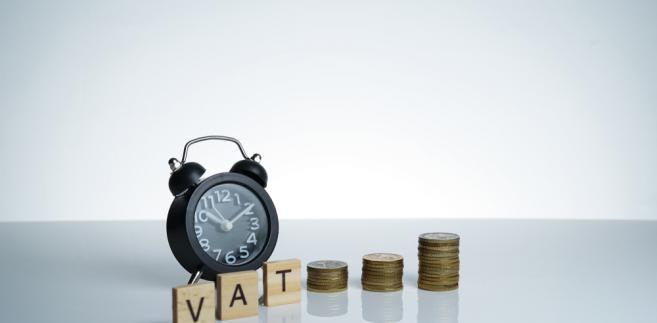 """""""Także elementy wskazane przez organ świadczą o tym, że są to usługi niezależne od siebie. Nie można więc objąć usług pośrednictwa stawką 8 proc. VAT."""""""