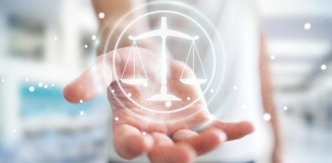 Sądy rejestrowe muszą teraz przejrzeć rejestry, zidentyfikować zastawy ustanowione w 1998 i 1999 r. oraz wszcząć procedurę zmierzającą do ich usunięcia.