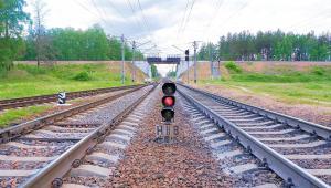 Są szanse, że po niemal półrocznej przerwie niedługo ożyje przerwana modernizacja kluczowego odcinka magistrali kolejowej z Warszawy na Lubelszczyznę.