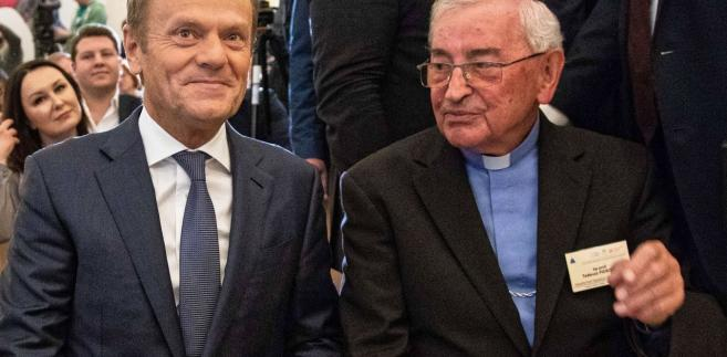 Przewodniczący RE Donald Tusk i biskup Tadeusz Pieronek