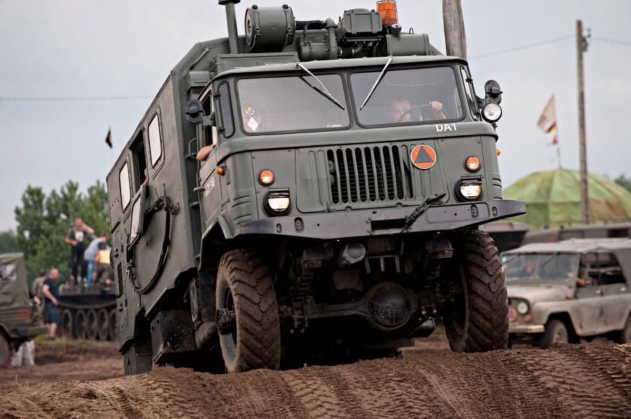 Ciężarowy pojazd wojskowy