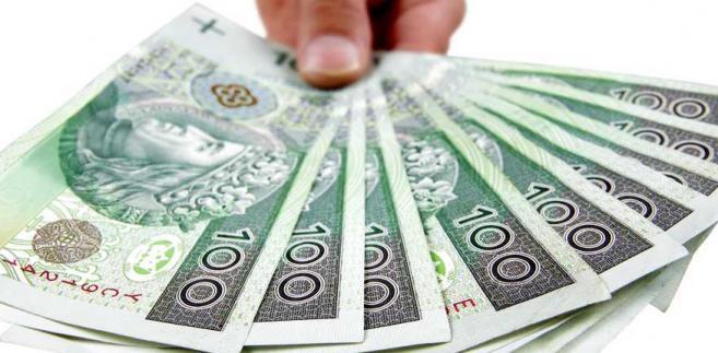W sierpniu kurs EUR/PLN wzrósł, natomiast dolar w parze ze złotym umiejscowił się w okolicach wartości najniższych od 2015 r.