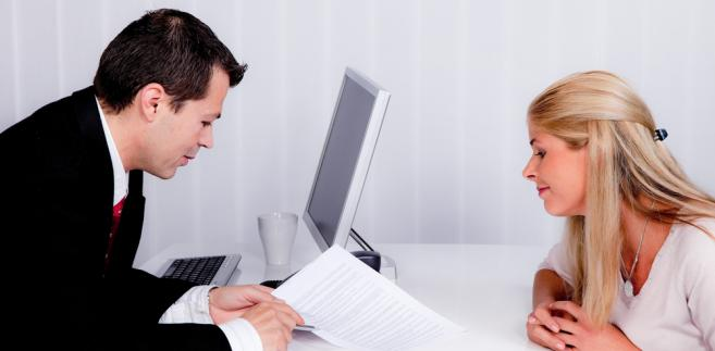 Konieczne jest rozdzielenie pracy socjalnej i prowadzenia postępowań administracyjnych