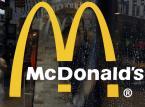 """Zbiorowe """"nie"""" dla fast foodów. MEN zabrania nauczycielom przyjmowania darmowych posiłków od sieci fast food"""